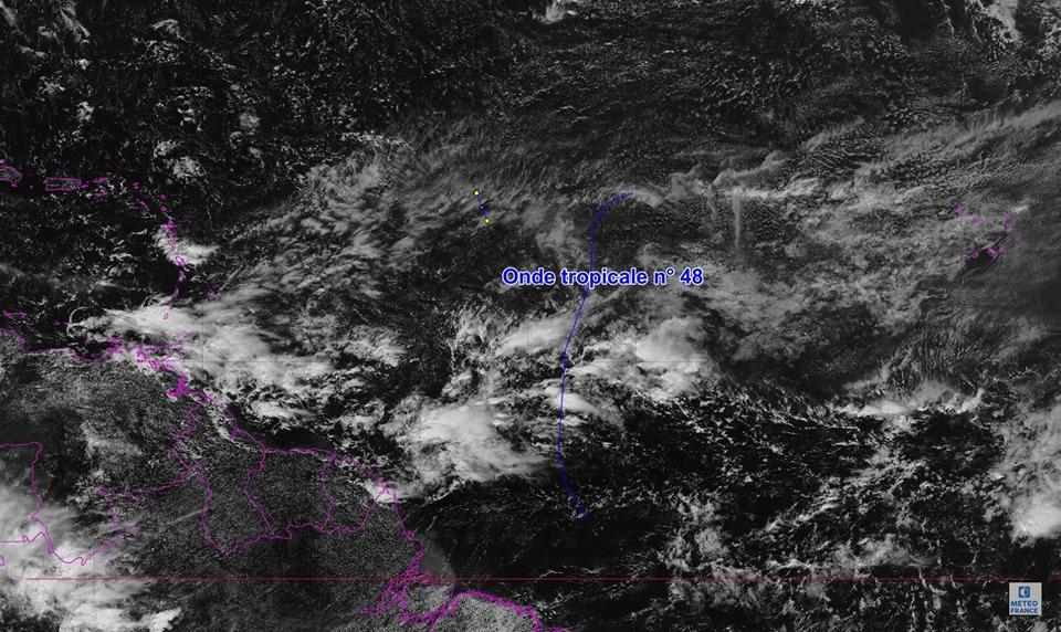 L'onde tropicale n°48 traversera les petites Antilles samedi