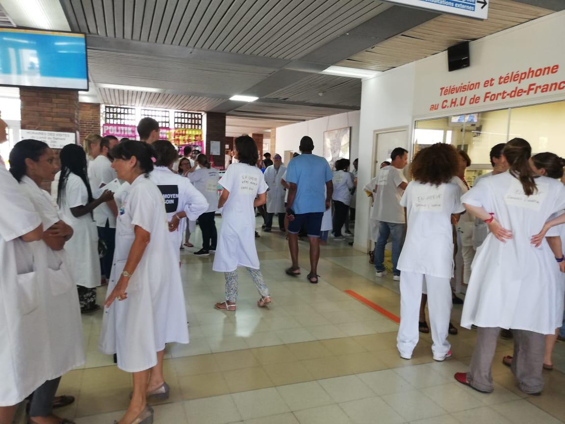 #hôpitalpublic : le personnel hospitalier de Martinique suit la mobilisation nationale