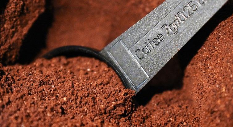 Recyclez votre marc de café pour jardiner