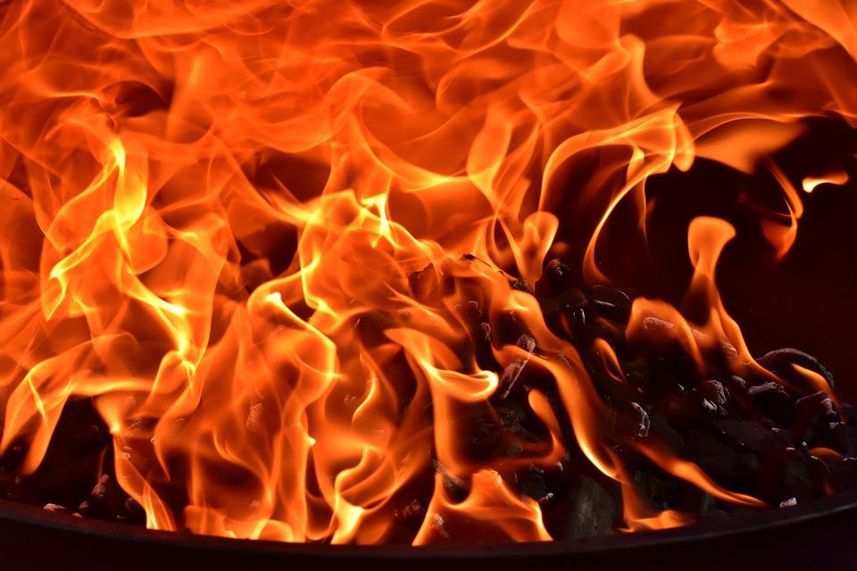 37e victime : un jeune pris au piège dans sa voiture en feu