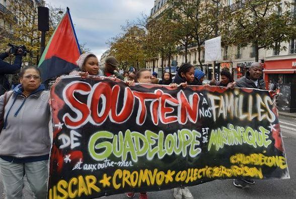 À Paris, une manifestation pour dénoncer l'empoisonnement des Antilles par le chlordécone