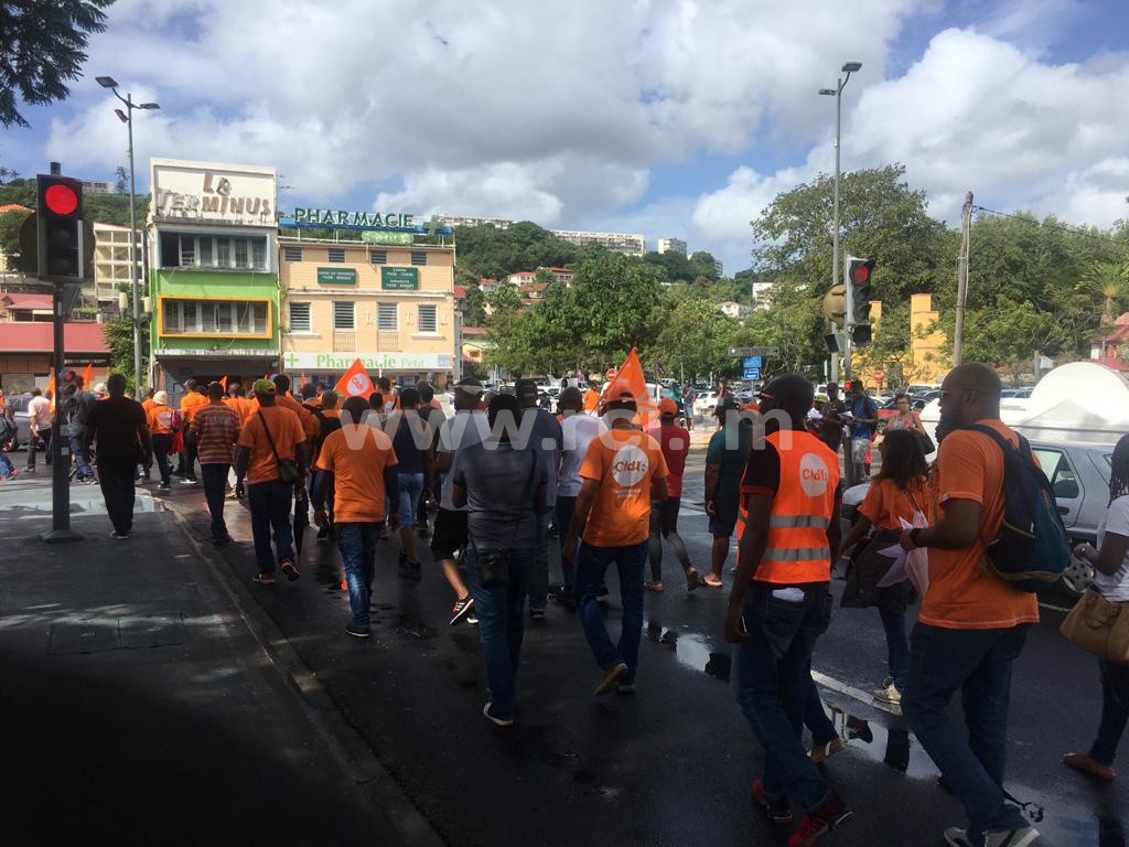 Réforme des retraites : entre 3 000 et 4 000 manifestants dans les rues de Fort-de-France