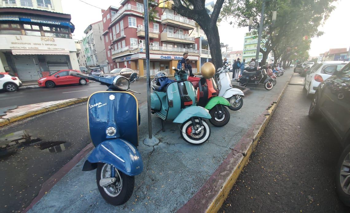 Le Vespatate club organise le plus grand rassemblement de Vespa de Martinique