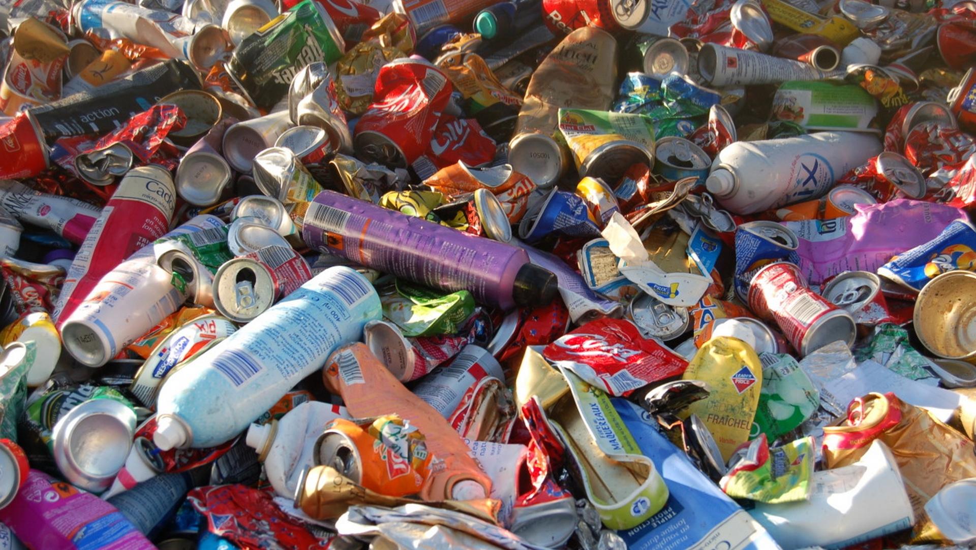 Le ramassage des ordures se poursuit aux Abymes