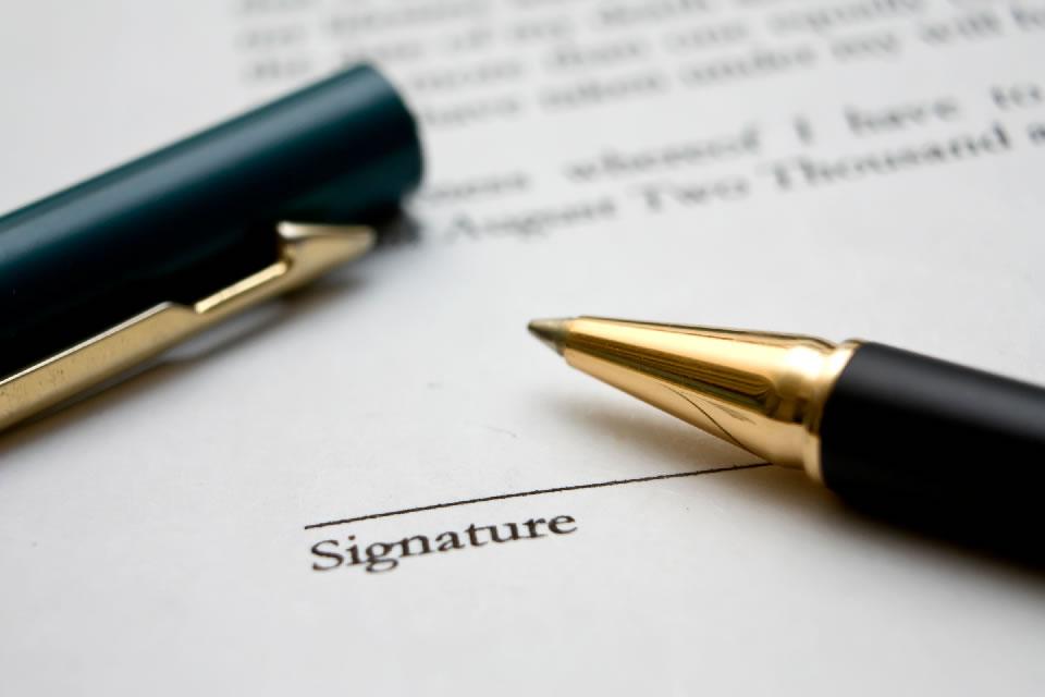 Deux conventions signées entre la CTM et l'Etat portant sur le tourisme et sur le secteur industriel