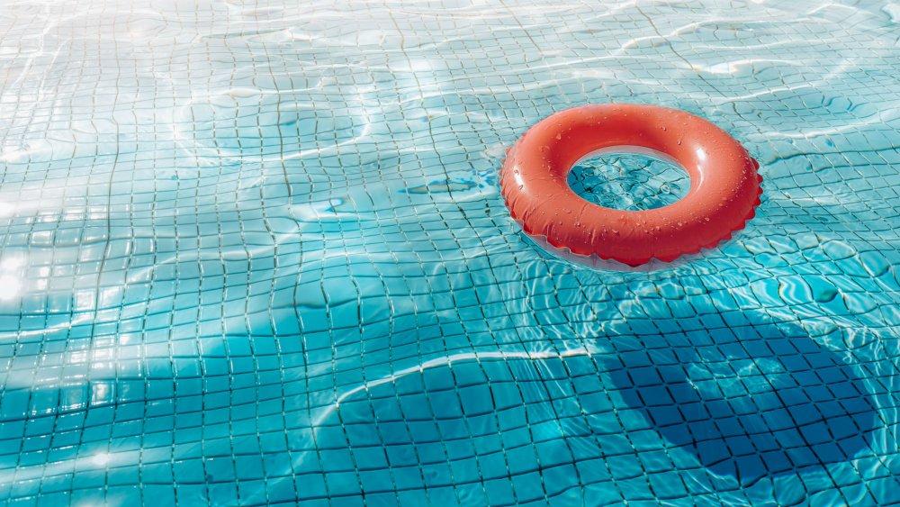 Une petite fille de 3 ans se noie dans une piscine à Petit-Bourg