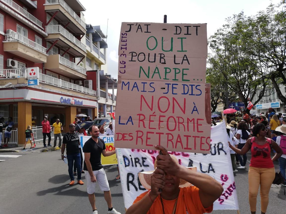 Environ 1 500 personnes dans les rues de Fort-de-France afin de protester contre la réforme des retraites