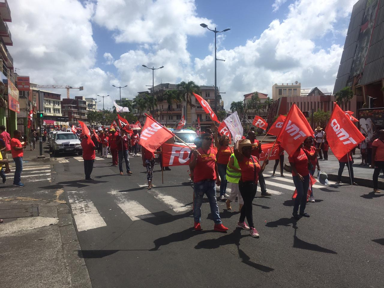 Mobilisation contre la réforme des retraites : entre 1 500 et 2 000 personnes dans les rues de Fort-de-France