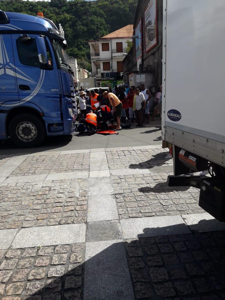 Un camion blesse gravement un octogénaire