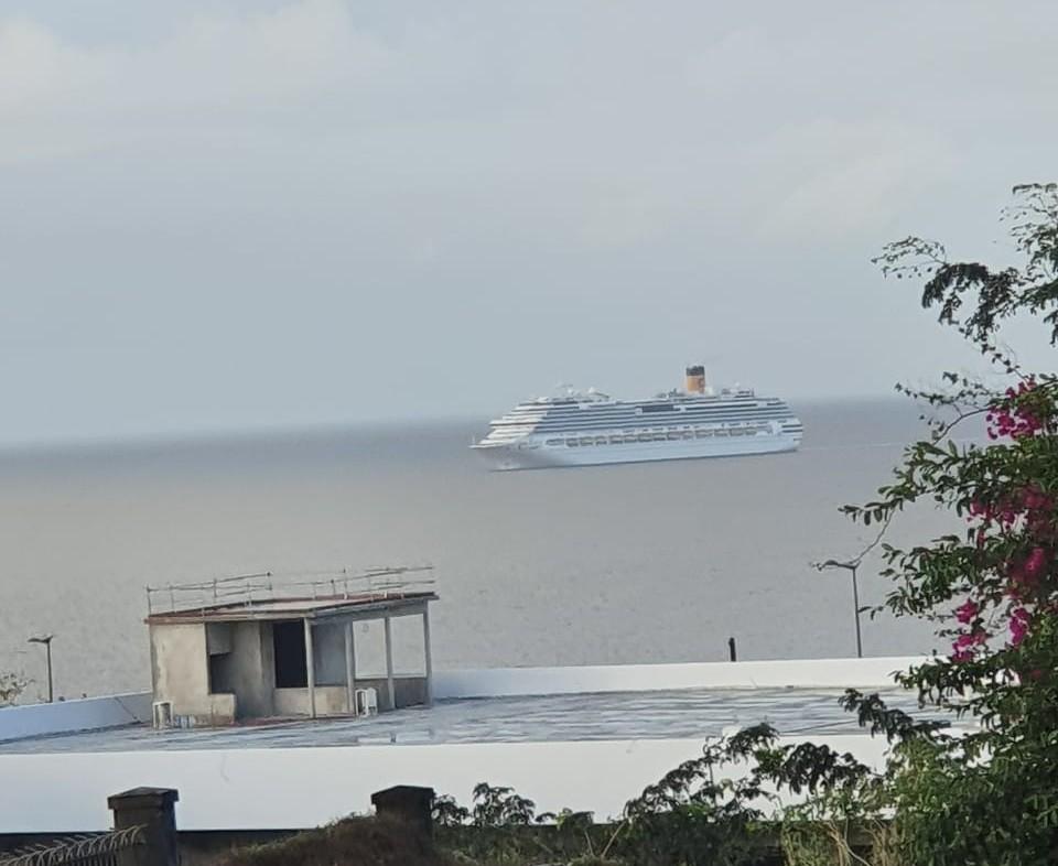 Le Costa Favolosa a quitté la Guadeloupe...pour y revenir