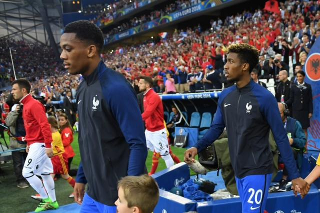Kingley Coman, Thomas Lemar et Anthony Martial font un don au CHU