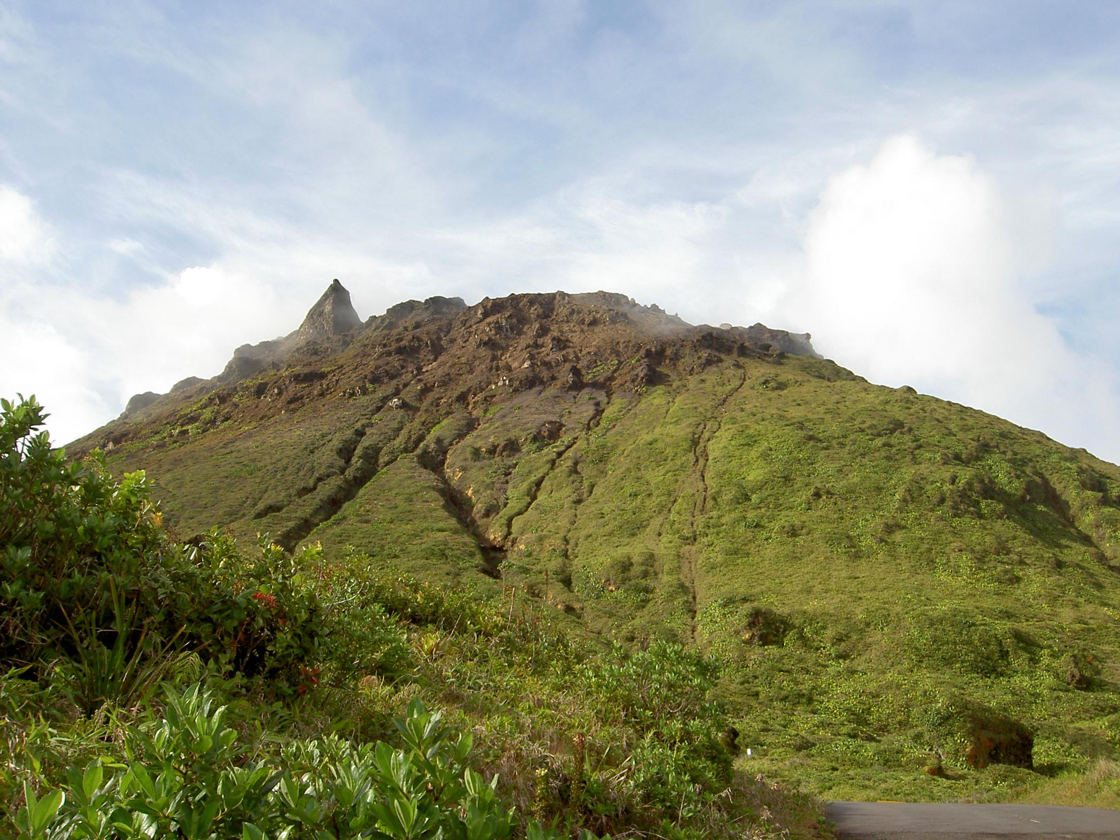 La randonnée de la soufrière, à la découverte du sommet de Guadeloupe