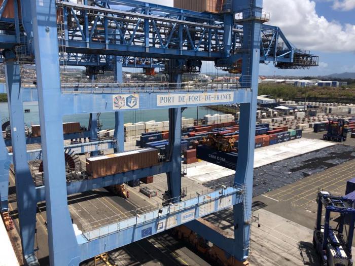 Coronavirus : tensions sur le port de Fort-de-France