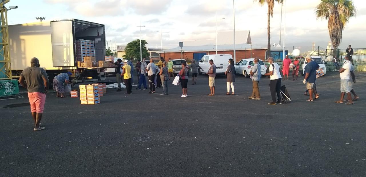 Vente de melons sur le parking de Bergevin