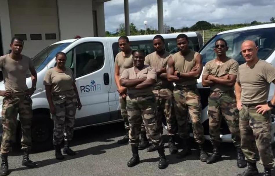 Les stagiaires du RSMA au soutien du CHU