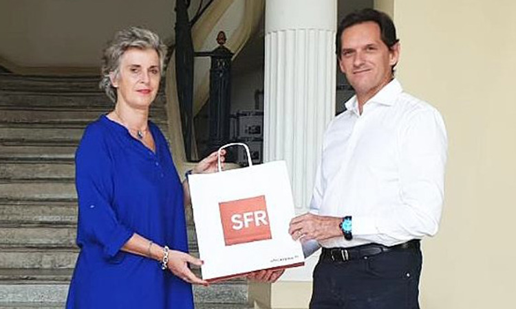 SFR offre 55 tablettes aux EHPAD de Martinique