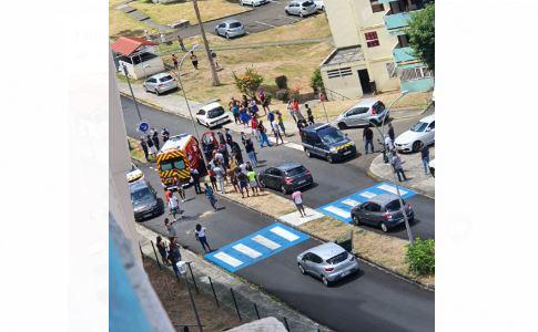 Collision entre une voiture et une moto à la cité Ozanam à Schoelcher