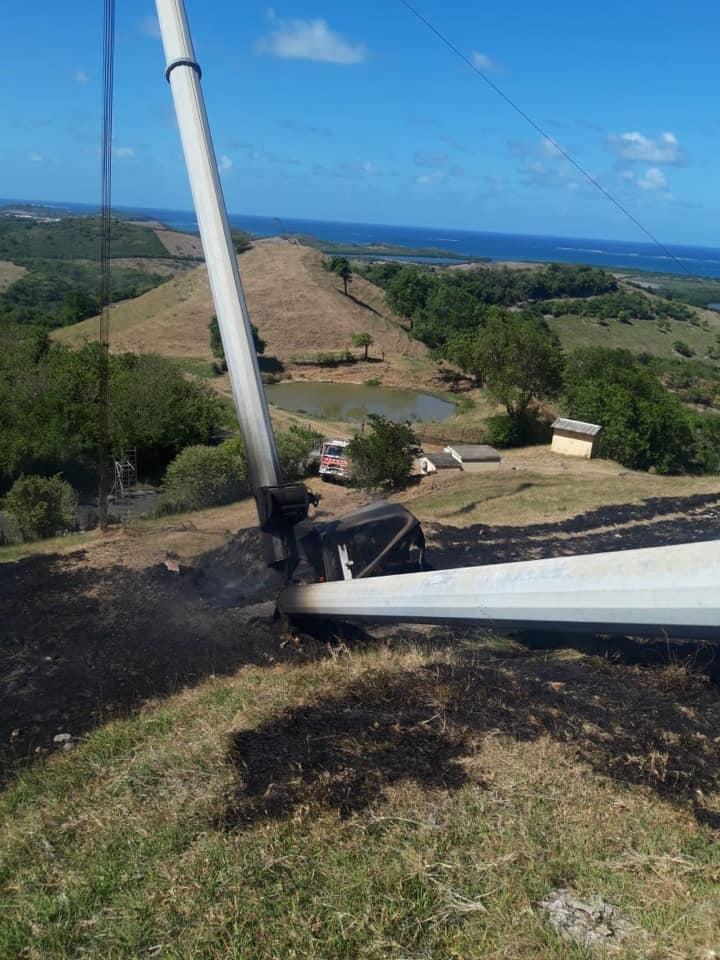 Un début d'incendie sur une éolienne provoque un feu de broussaille