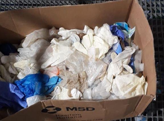 COVID-19 : comment jeter vos masques et gants usagés en toute sécurité ?