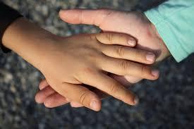 Inégalités : un appel à projet pour accompagner les familles et les enfants