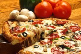 Ils ouvrent une pizzeria en pleine épidémie