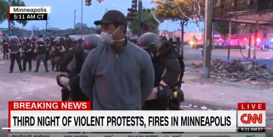 Aux Etats-Unis les émeutes continuent après la mort de George Floyd