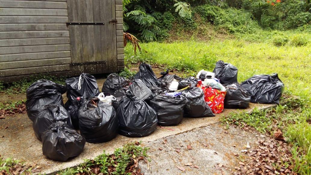 Le Parc National déplore l'abandon de déchets dans les Mamelles