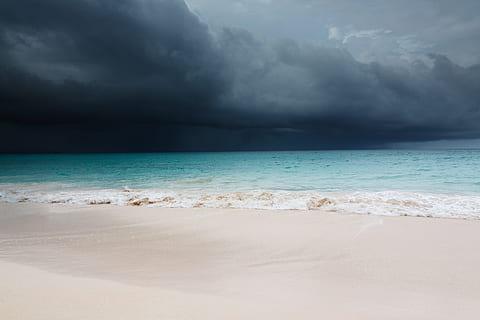 Une seconde tempête hors saison évolue au nord de la Caraïbe