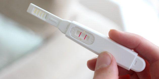 Confinement : les ventes de tests de grossesse explosent en France