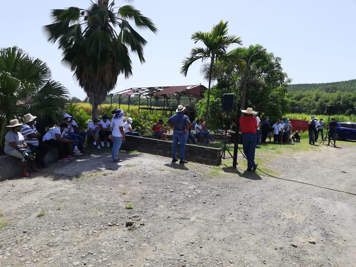 À Séguineau, les usagers vont à la source du problème de l'eau