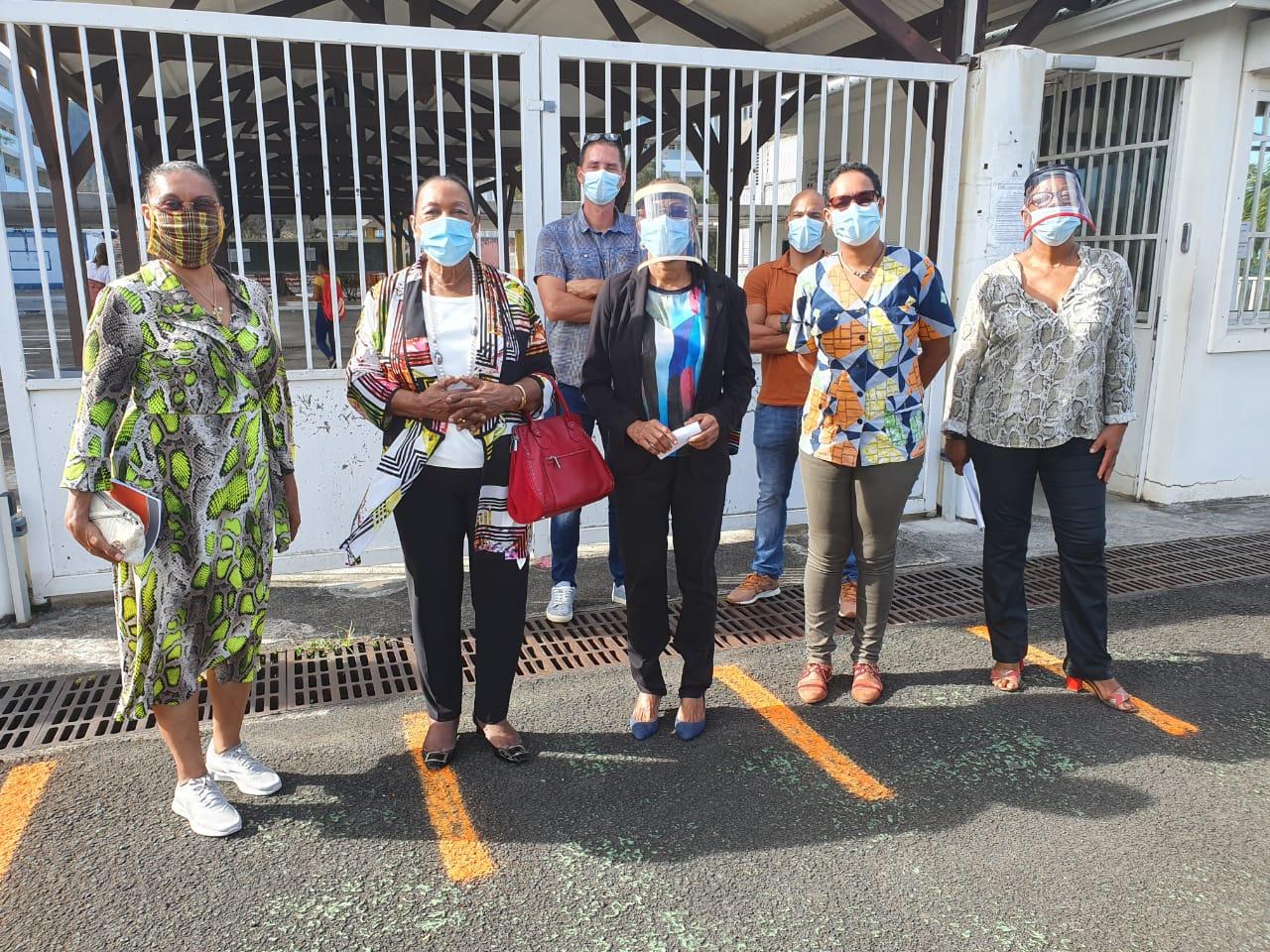 Les élèves de retour au collège Joseph Pitat de Basse-Terre