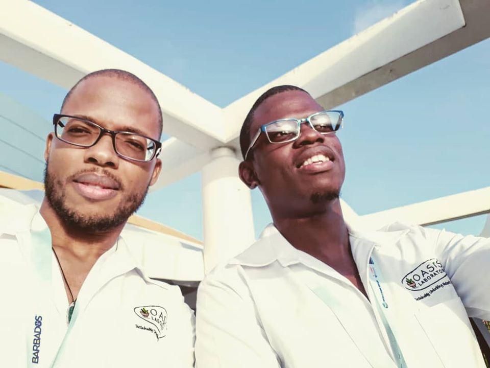Deux barbadiens créent la première gamme de soins pour la peau à base de sargasses