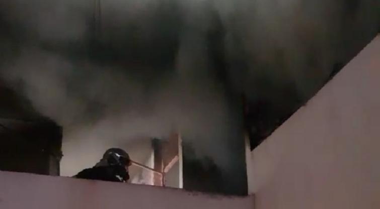 Un appartement embrasé et quatorze autres impactés après un incendie