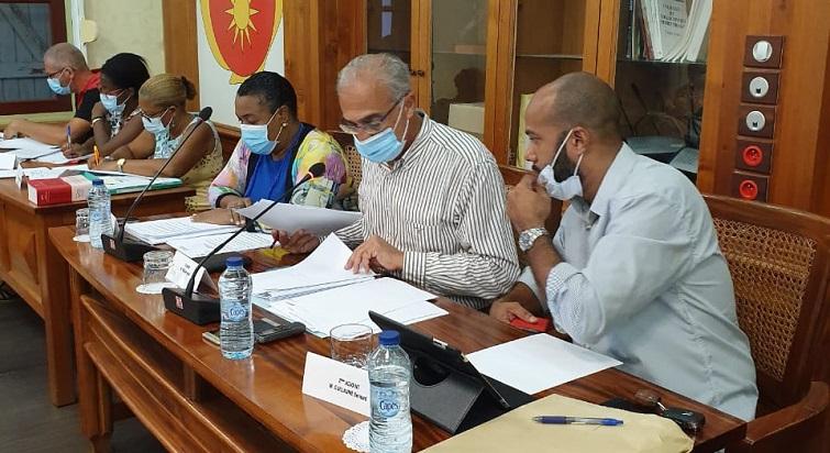 André Atallah a présidé son premier conseil municipal à Basse-Terre