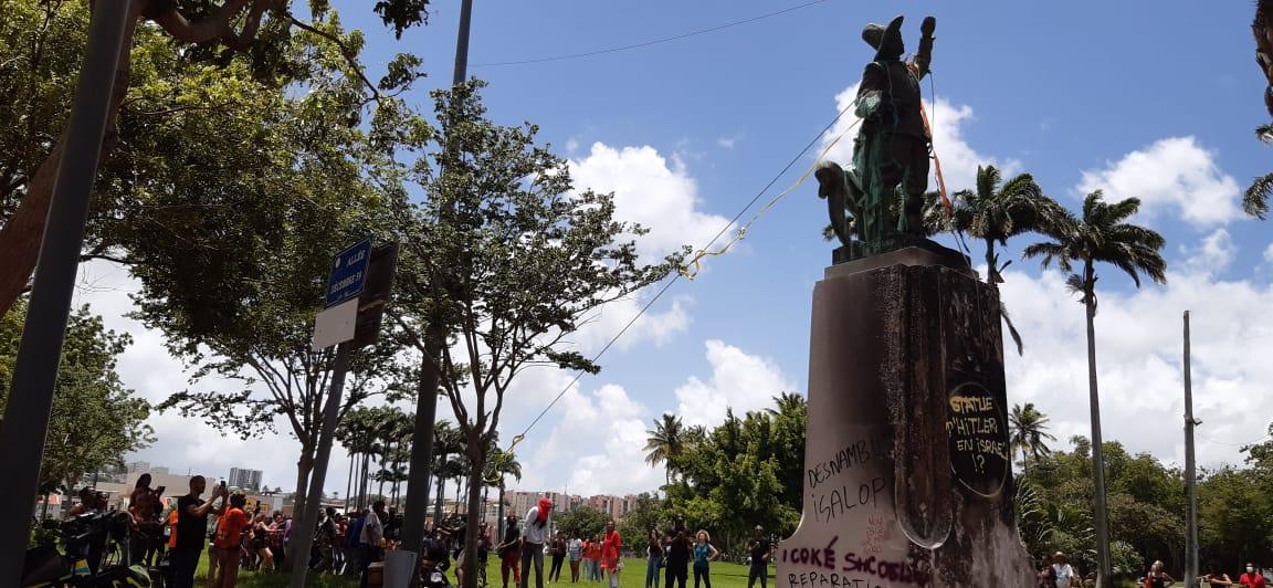 La statue de Pierre Belain d'Esnambuc a aussi été déboulonnée