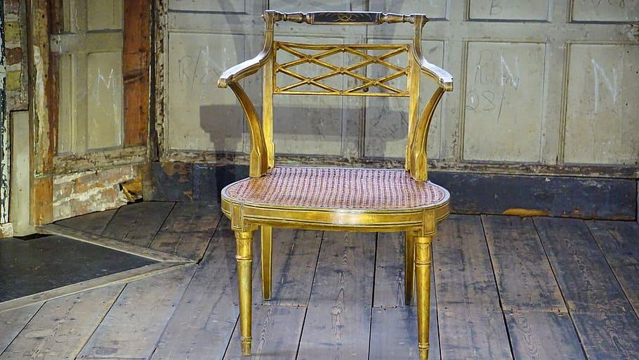 Éco-mobilier prend désormais en charge vos meubles usagers
