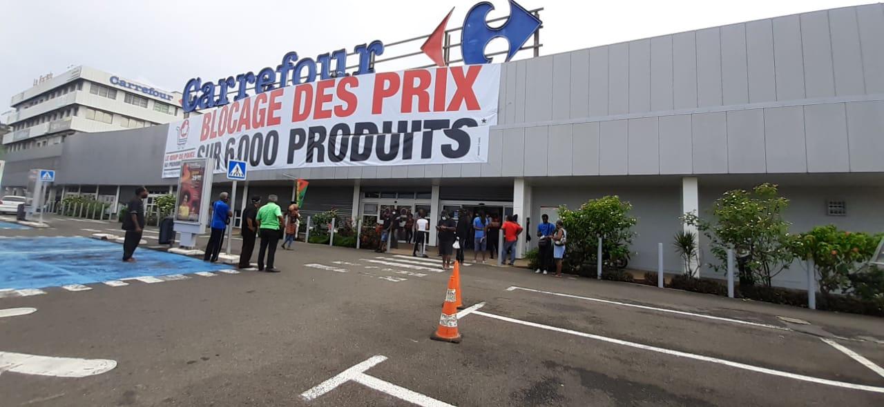 Le centre commercial de Dillon bloqué par des manifestants