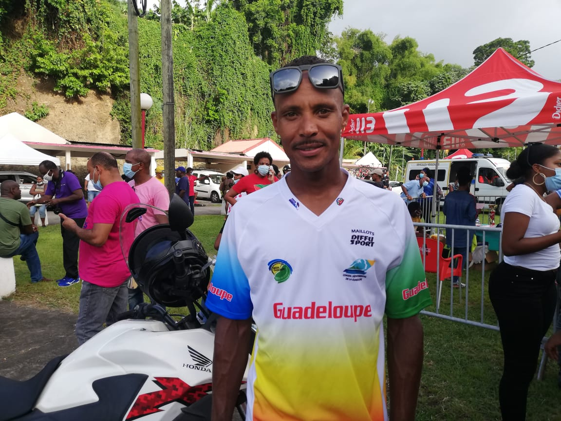Boris Carène remporte la route cycliste de Martinique