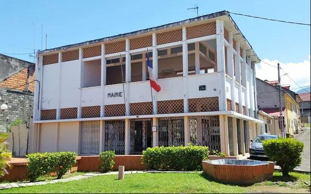 Trois cas de covid-19 à la mairie du Carbet