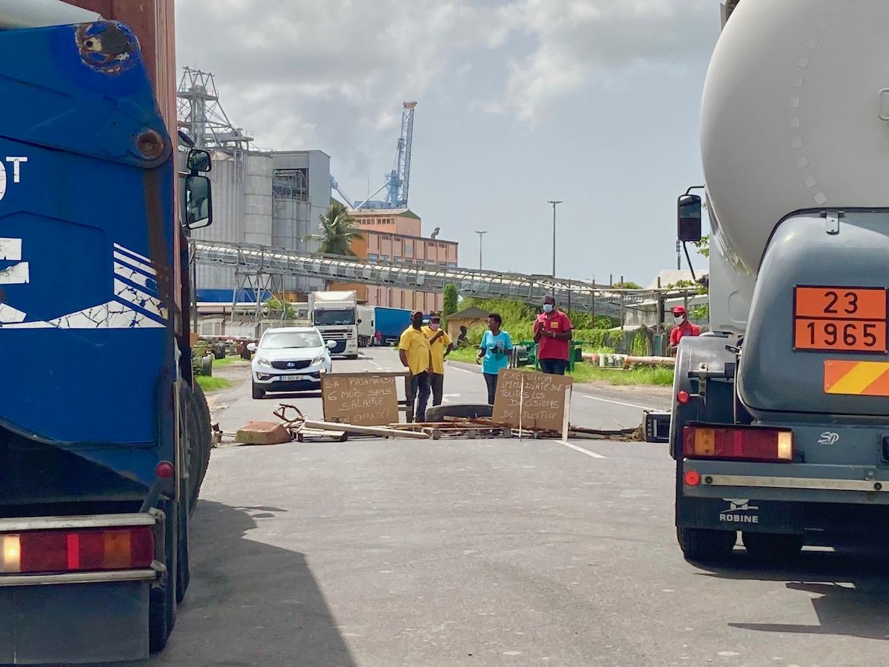 La CGTG mobilisée près du port à Jarry