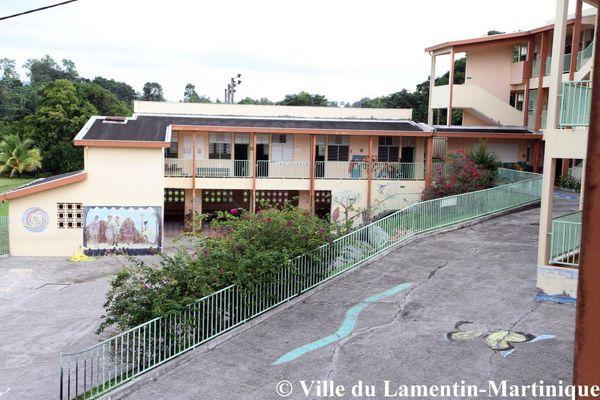 Les élèves de l'école de Sarrault seront transférés dans deux autres établissements scolaires