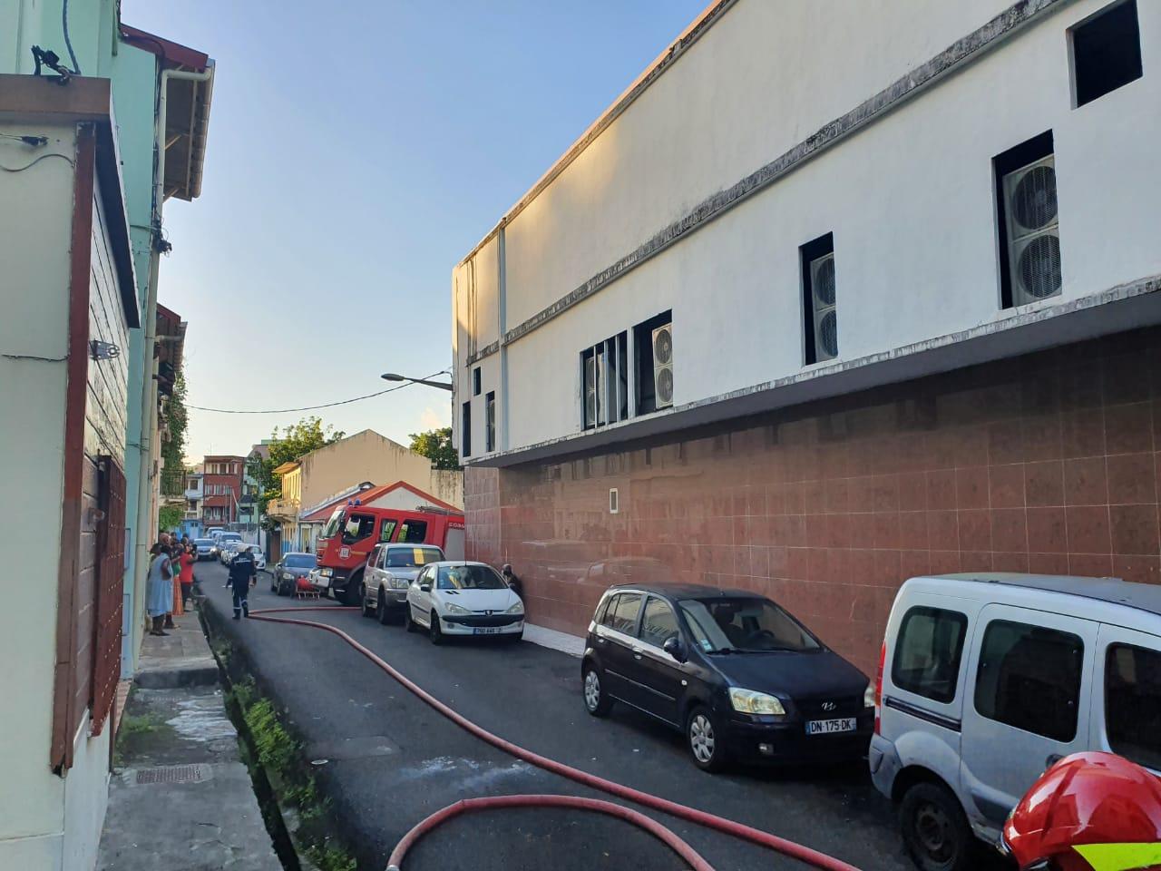 Une mère de famille et ses deux enfants blessés dans un incendie à Fort-de-France