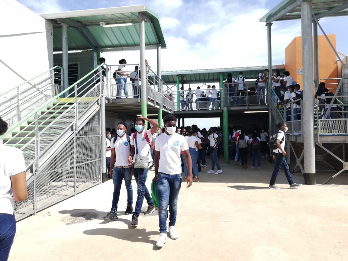Une rentrée plus qu'attendue au lycée provisoire Nord-Atlantique