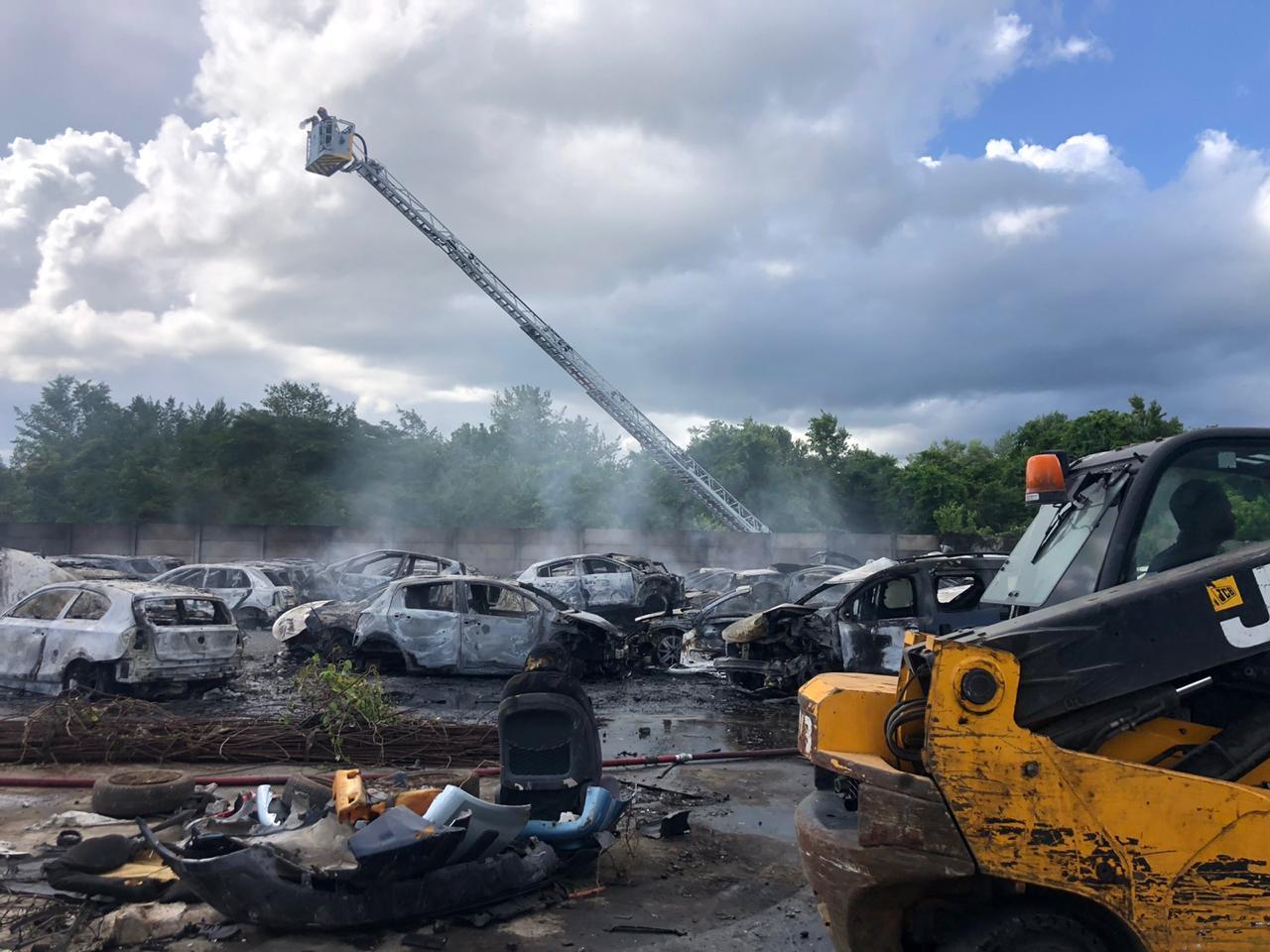Incendie à la zone industrielle de la Lézarde