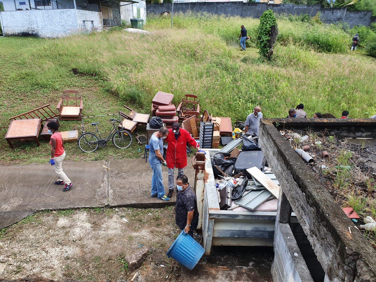 Opération nettoyage au Lycée de Blanchet