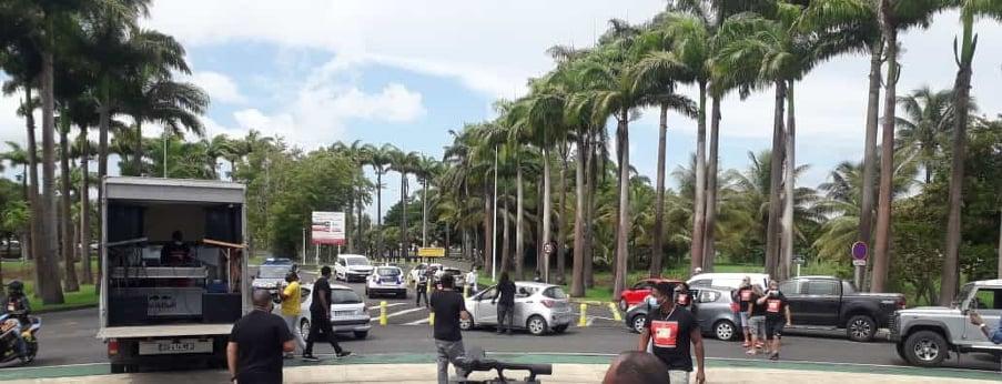 Le Syndipros bloque l'accès à l'aéroport