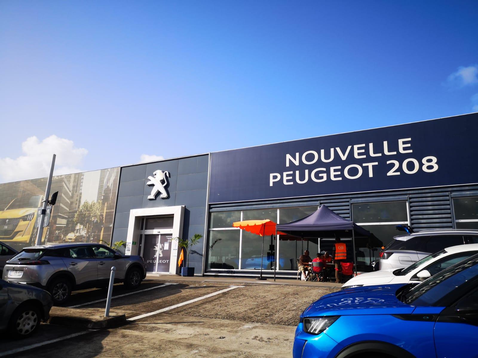 Le conflit est terminé à Peugeot - Blue Automobiles