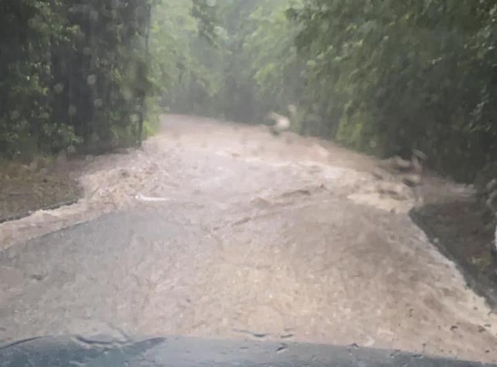 Montée des eaux brutale au Marin et à Rivière-Pilote : une automobiliste secourue par le Dragon 972