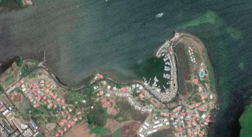 Une pollution aux hydrocarbures dans la marina du François