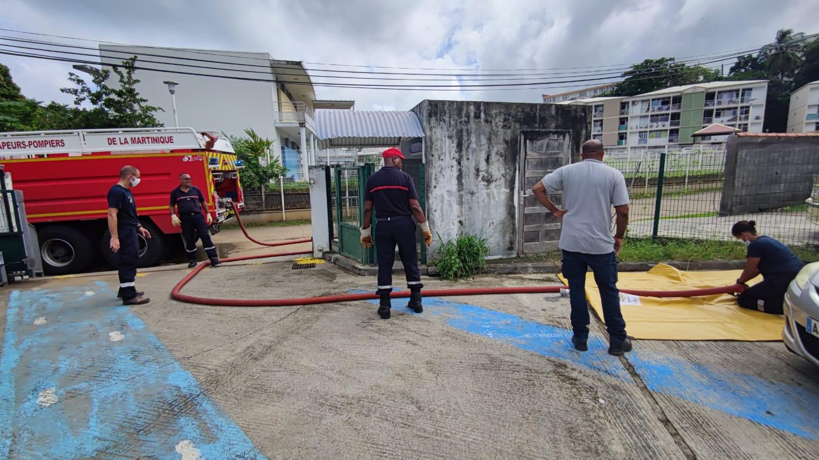 Des citernes d'eau sanitaire installées à Sainte-Marie pour pallier les coupures